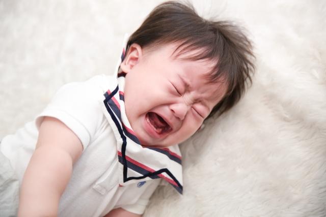赤ちゃんの人見知りはいつからいつまで?その原因と対策