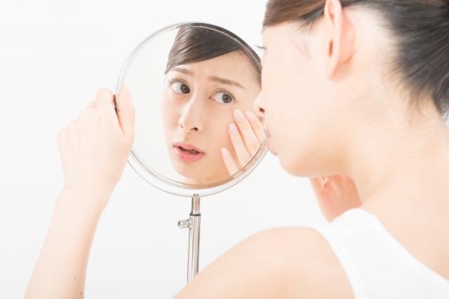 乾燥肌からのシワを改善する食べ物や化粧品は?
