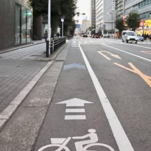 歩車分離式信号で自転車は車と歩行者どちらの信号に従ったらいいの?